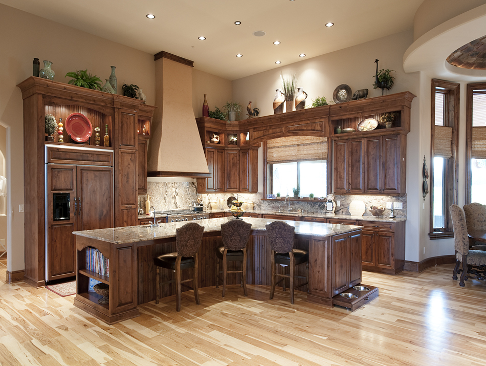 Product Details: Traditional Estate I (Kitchen) | Aura Cabinetry | Building  Quality Kitchen Cabinets, Bathroom Vanities, Entertainment Centers,  Hutches, ...